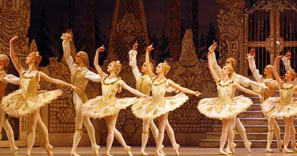 The Nutcracker Royal Ballet Uk Royal Ballet Ballet Shows Nutcracker Ballet