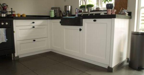 Vri interieur landelijke keuken modern wit met houten laden en ...