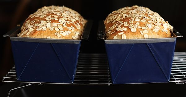 Honey Oatmeal Bread (to go with cinnamon honey butter...)