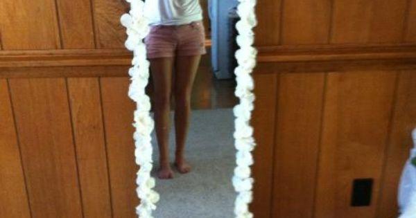 Flower mirror project buy one of the cheap looking full for Espejos de cuerpo entero baratos