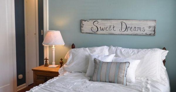 schlafzimmer bett wandfarbe blau einrichten wohnen. Black Bedroom Furniture Sets. Home Design Ideas