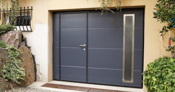 Porte De Garage Basculante Motorisee Ateliers Goudier Puertas De Garage Modernas Puertas Puertas De Garage
