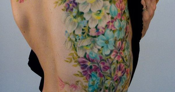 #Floral tattoo | ughhh, if I was a tattoo person...