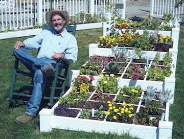 Gartnern Im Quadrat Square Foot Gardening Der Quadratgarten Gartnern Auf Kleinem Raum Garten Gemusehochbeet