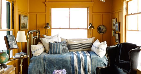 Bigger Isn T Better 8 Seriously Inspiring Tiny Rooms And Their Design Secrets Small Rooms