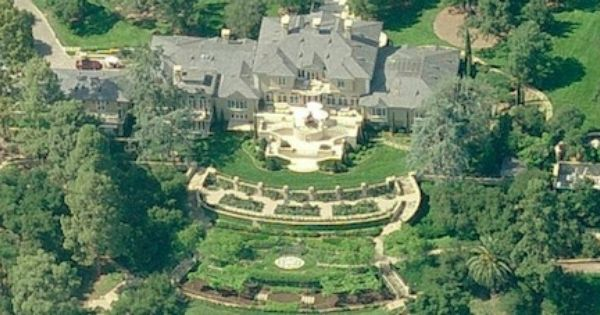 Located in california oprah winfrey bought this luxurious for 50 million dollar homes