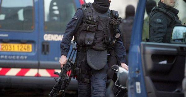 Des gendarmes du gign lors d 39 une intervention en france for Gendarmerie interieur gouv fr gign