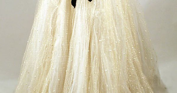 Dress from 1957 designed by Elizabeth Arden