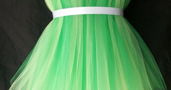 Tinkerbell costume - soooo easy! For my friends with girls this would