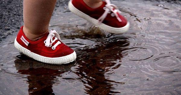 لبيه ي ريح المطر والسماء غيم ولبيه ي صوت المطر بعد غيبه الشتاء الامطار الوسم المطر Tie Shoes How To Tie Shoes Learn To Tie Shoes