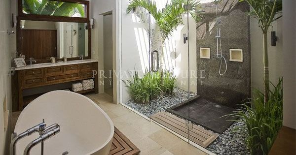 Beautiful light bright balinese bathroom slate pebbles and darkwood pinteres - Zen toilet decoratie ...