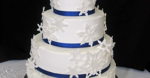 snowflake wedding cake....BETTER YET this is a winter cake... elegant and classy