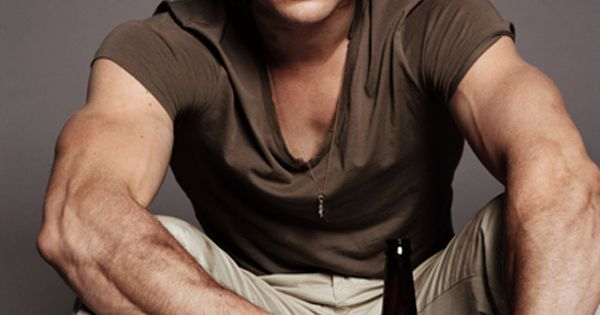 Chris Hemsworth. the arms, people..