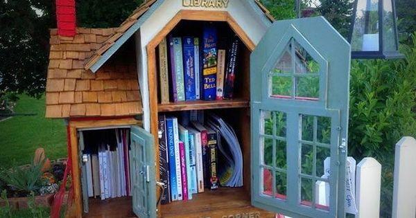 Hermosa Beach S First Free Children S Little Library Little Free Libraries Free Library Little Library