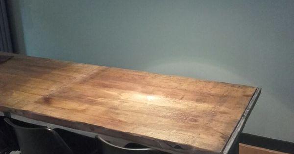 Mooie robuuste tafel van steenschotten met stalen triangel onderstel stoere industri le tafel - Tafel eetkamer industriele ...