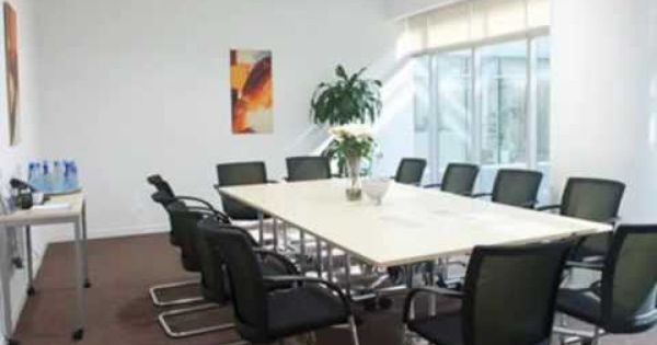 Sharjah Office Space For Rent Serviced Offices At Megamall Tower Al Qassimia Sharjah For Further Information Go To Http Www Theo Office Space Home Space