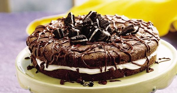 Chocolate Sandwich Oreo Cake