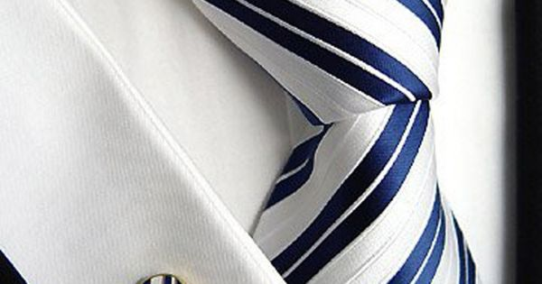 You really cana??t go wrong with a nice diagonal stripe. | See more about Ties, Stripes and Cufflinks.