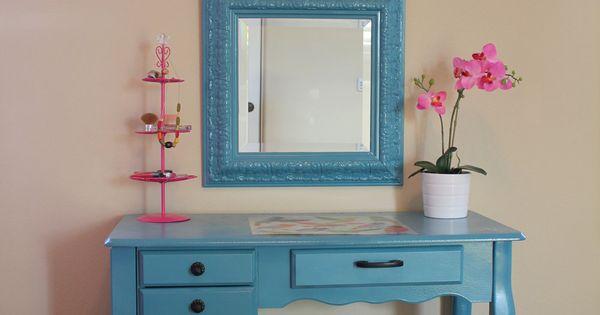 Vanity desk cute for ava 39 s room home pinterest for Cute vanity desk