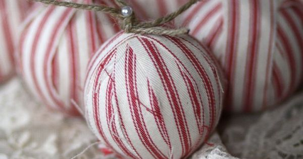 Vintage ideas for Christmas ornaments. christmas decoration natural