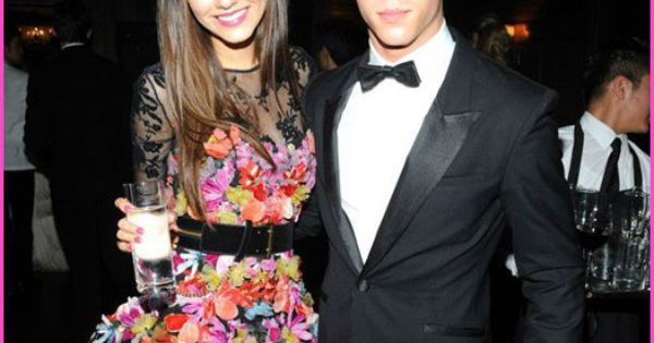 Nick jonas dating, Nick jonas and Victoria justice on Pinterest