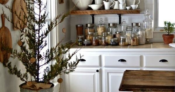 Cucina mobili bianchi mensole legno dream home for Mensole nere