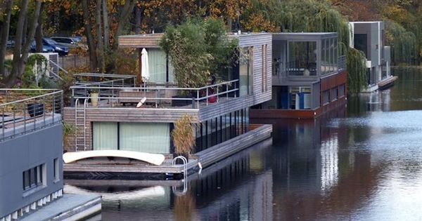 floating house maison flottante house floating pinterest hamburg boating and. Black Bedroom Furniture Sets. Home Design Ideas