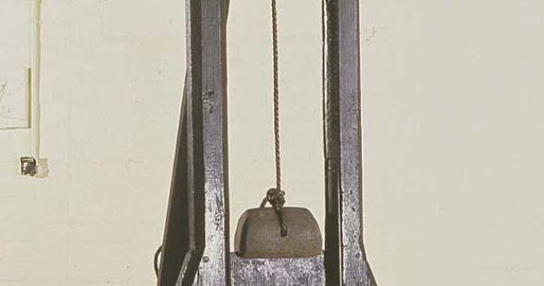 beheading machine