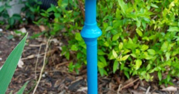 Bebedero para p jaros con un pie de l mpara y un bol for Bebederos para aves jardin