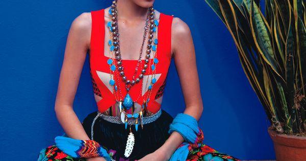 Vogue Mexico April 2011 - Photo: Michael Filonow - Model: Rostro de