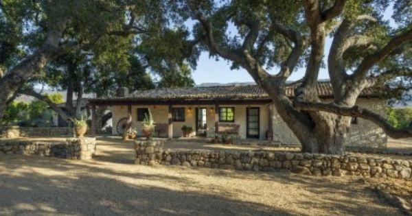 Historic hacienda ranch ojai ca single family home for Case in stile ranch hacienda