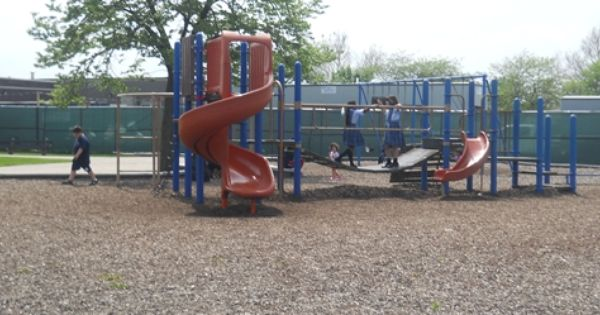 Mayor Emanuel Chicago Park District To Rehab Build 77 Playgrounds This Year Through Chicago Plays Program With Images Chicago Public Schools