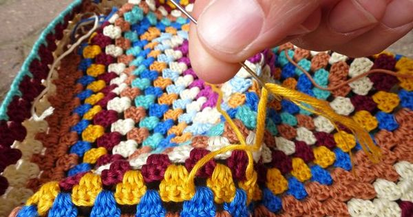 Crochet Fasten Off : How to fasten off ends....Tutorials Crochet Grannys Pinterest ...