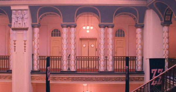 Grand budapest hotel corridors budapest pinterest for Design hotel gorlitz