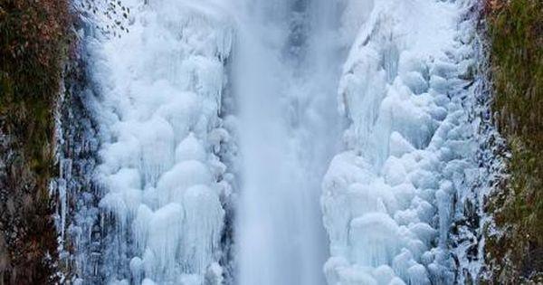 Frozen Multnomah Falls, Columbia River Gorge Beautiful Places