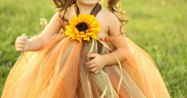 Scarecrow Tutu Dress and Matching Hat. Great Halloween idea. awe i wish