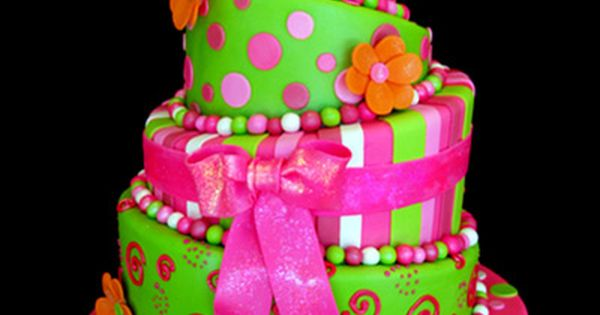 Cute tween girl birthday cake idea