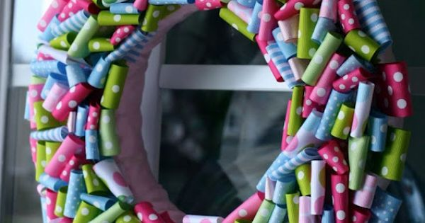 Top 5 Crafty Spring Wreaths | Tween Craft Ideas for Mom and