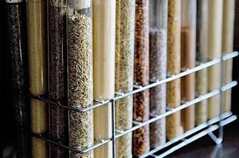 Test tube spices!!! (Dean and Deluca Spice Rack)