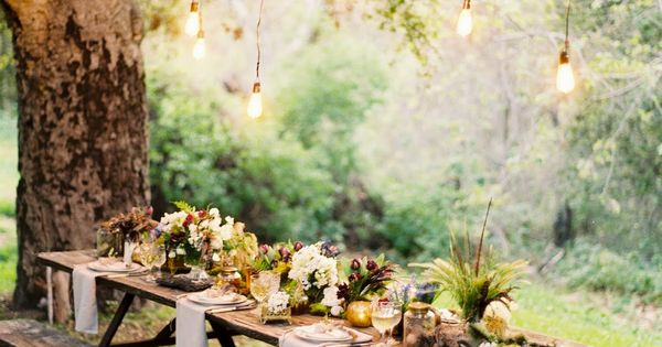 beautiful outdoor table setting... a great use for that hanging light idea