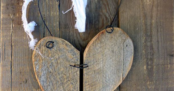 Rustic Reclaimed Wood Heart Decor W Barbed Wire Effect