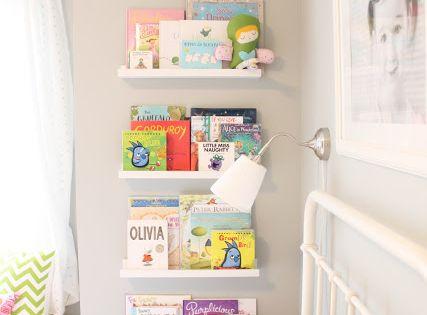 Almacenaje de libros con estante de ikea habitaci n ni a for Ikea almacenamiento ninos