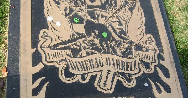 Dimebag Darrell, Moore Memorial Gardens Cemetery, Arlington, Tx