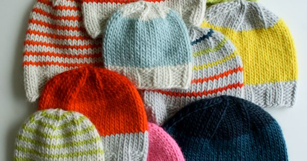 of course I love knitting hats! great colors and patterns || Super