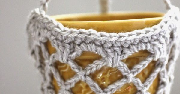 Free Crochet Flower Basket Pattern : Crochet flower pot hanging basket free pattern from
