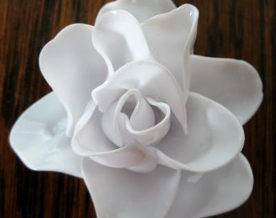 Melted plastic spoon roses. Shut the front door, this is such a