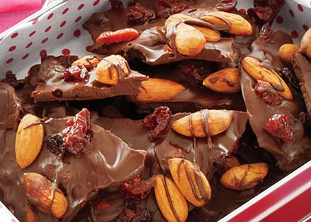 Chocolate bark, Chocolate and Almonds on Pinterest