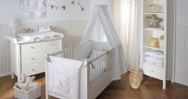 die zauberhafte kollektion f r das babyzimmer. Black Bedroom Furniture Sets. Home Design Ideas