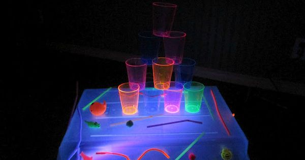 diy black light table and light box sticky glowing fun kid blogger network activities. Black Bedroom Furniture Sets. Home Design Ideas
