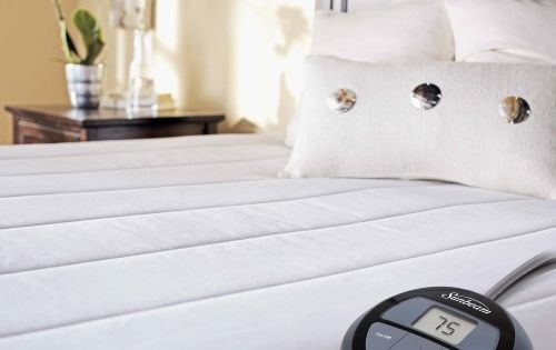 Experience A Warm Gentle Slumber With The Sunbeam Quilted Heated Mattress Pad As You Rest Throughout T Heated Mattress Pad Electric Mattress Pad Mattress Pad